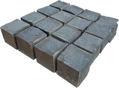 piatra cubica andezit 2-4 laturi taiate