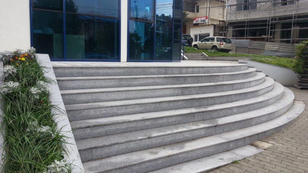 trepte granit Terrabianco, piatra cubica granit si andezit